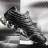 Adidași Bounce: S³ în ediție limitată, design futuristic și eleganță pe terenul de sport